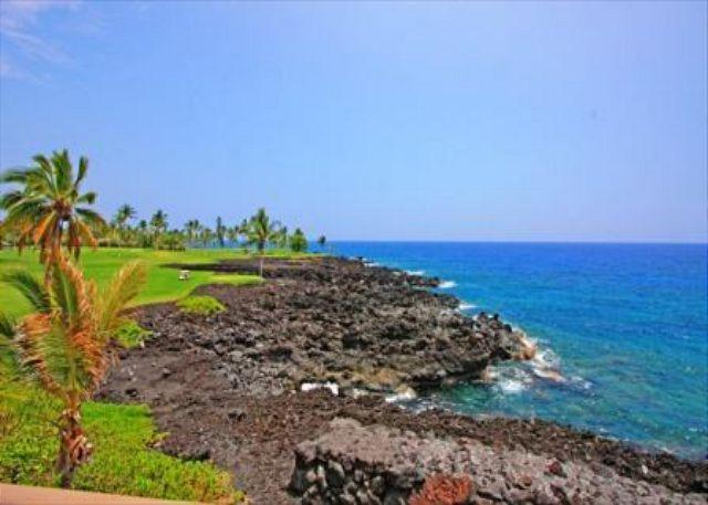 Keahou Kona Surf and Racquet Club 5304- DIRECT OCEAN FRONT 2 Bedroom + Loft - Image 1 - Kailua-Kona - rentals