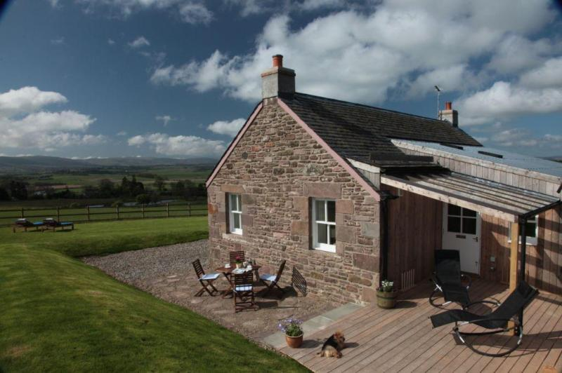 private, sheltered sun terrace with views over the valley - The Retreat, 5 Star Luxury, Tennis Court, Fishing - Auchterarder - rentals