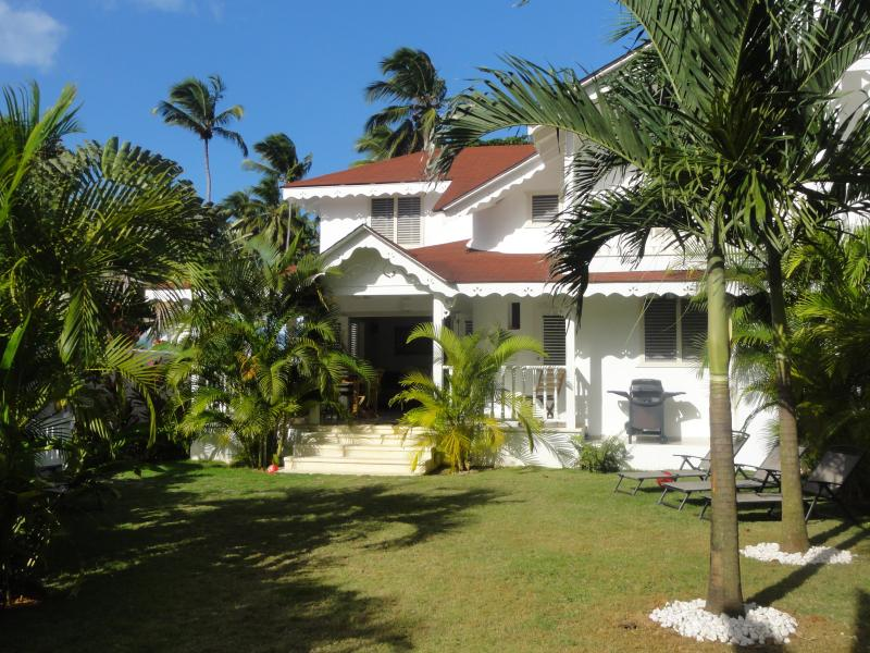 Passiflora villa with private tropical yard - Creole styled Villa, 2 minutes away from the beach - Las Terrenas - rentals