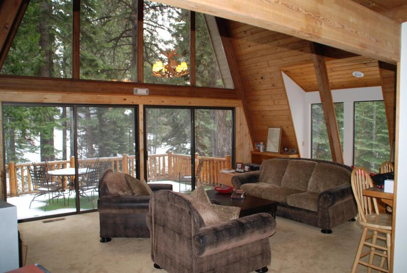 The First thing you see as you enter the home - Creekside, West Lake Tahoe - Incline Village Lake Tahoe Creekside Home 16+ WiFi - Incline Village - rentals