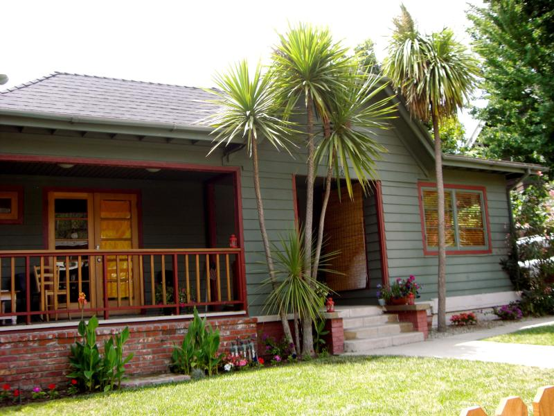 Front Of Main House... - Hollywood Hills Charmer! Vintage, artistic, cozy - Los Angeles - rentals