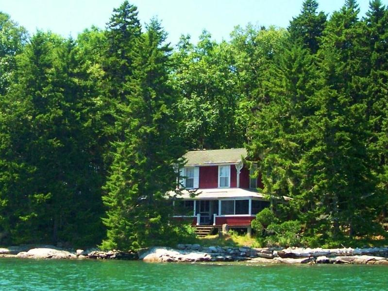 The Cottage is right on the shore. - Oar Island - Bremen - rentals