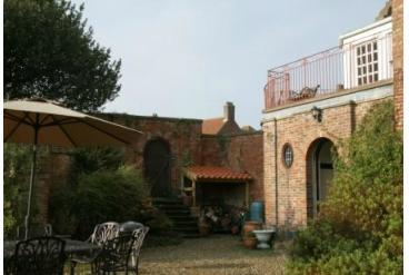 Stunning large beautiful 17th century house North Yorkshire - Image 1 - Hunmanby - rentals