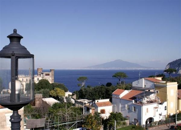 View from the terrace - Sorrento, Simple Apartment near a Wonderful Sea - Sorrento - rentals