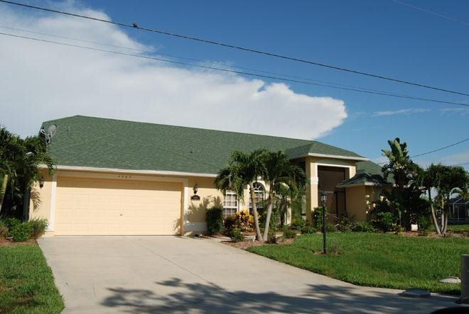 House Dorothy Front - Waterfront House Dorothy - 2 master suites & pool - Cape Coral - rentals
