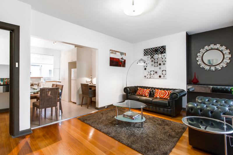 Brunswick serviced apartment air-conditioned living area showing two office nooks - StayCentral quiet nr trams shops restaurants cafes - Brunswick - rentals