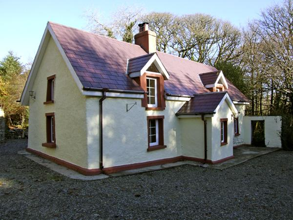 ALDERLANE COTTAGE, family friendly, character holiday cottage, with a garden in Wexford Town, County Wexford, Ref 4410 - Image 1 - Wexford - rentals