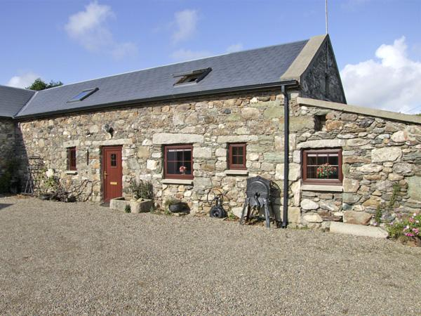 THE BARN, pet friendly, character holiday cottage in Carrick, County Wexford, Ref 4430 - Image 1 - Carrick - rentals