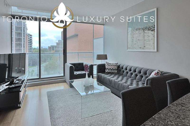 Noble: Designer suite with new furnishings bright open concept - Noble Suite - Yorkville Luxury Exec Condo All Inclusive - Toronto - rentals