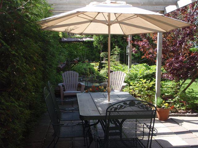 Summer view:Your private terrace in the garden - Maison aux pignons for memorable stay in Montreal - Montreal - rentals