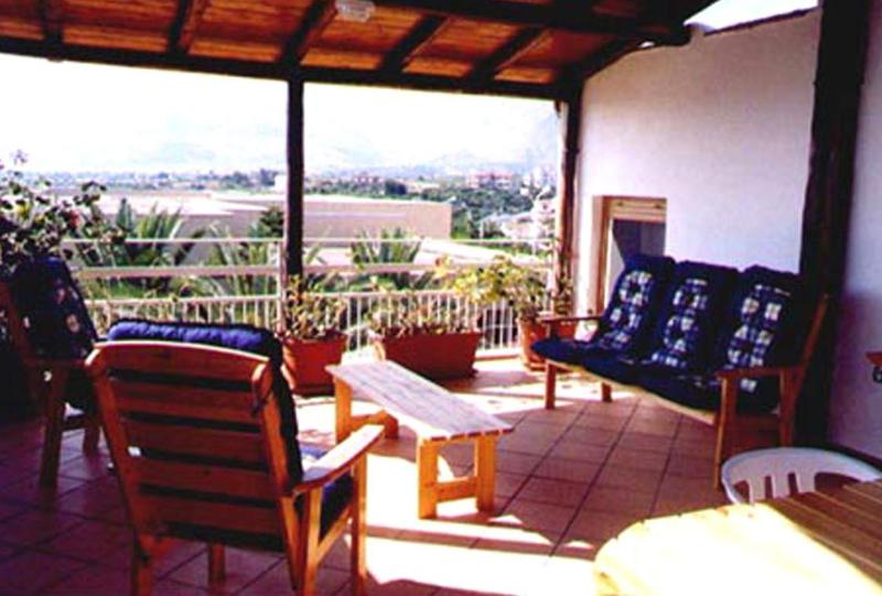 Catch the breeze from the sea relaxing on the deck - Come to Sicily for a Fantastic Holiday in Villa! - Casteldaccia - rentals