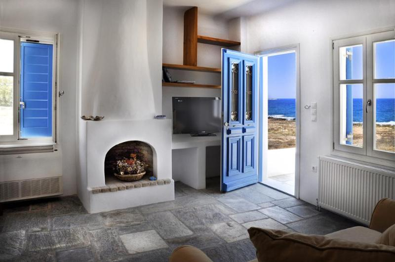 This home built literally within 35 meters of the ocean has incredible views. - Paros Greece And It's Amazing Mountain Villages - Naoussa - rentals
