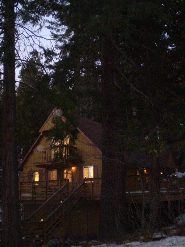 Brookside Cottage at Yosemite West Cottages - Image 1 - Yosemite National Park - rentals