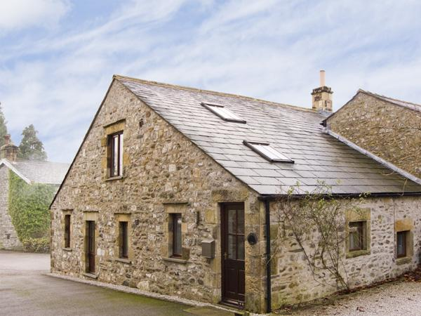 STEPPING STONES BARN, family friendly, luxury holiday cottage, with a garden in Stainforth , Ref 4431 - Image 1 - Giggleswick - rentals