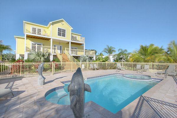 Pool View - $2100/week all inclusive, Nature's Finest Address! - Marathon - rentals
