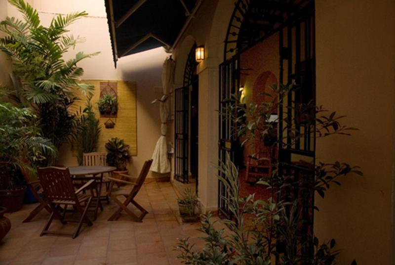 View of the private patio - 3 bedroom Colonial Apt in Historical Old San Juan - San Juan - rentals