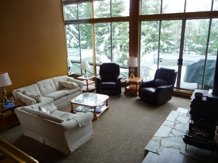 Our spacious living room. - Whistler Cay Heights - Whistler - rentals