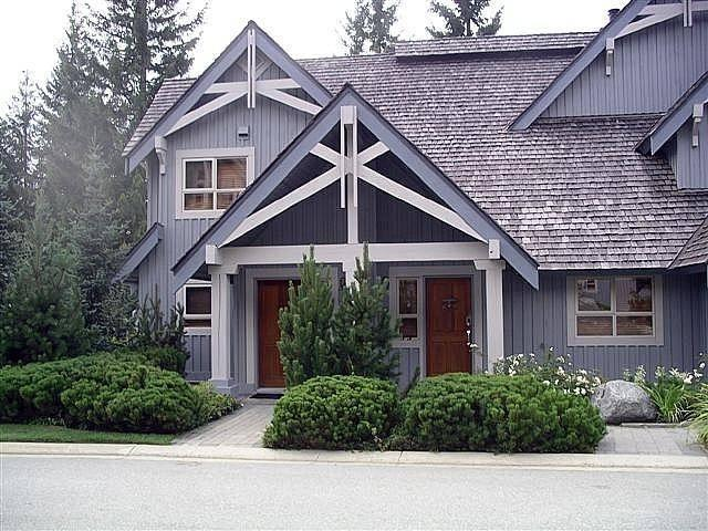Welcome to our mountain retreat! Enter our townhome through the door on the right! - Whistler Treeline - Whistler - rentals