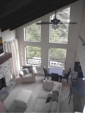 Main Living Room - Cathedral Ceiling - Fitzsimmons House - Whistler - rentals