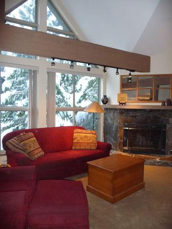 Relax with a book by the fireplace, watch a DVD or high definition cable TV, play your favorite CD's or get out a game and have some fun. This is the place to spend your well-earned vacation! - Marc and Vicky Rizzardo - Whistler - rentals
