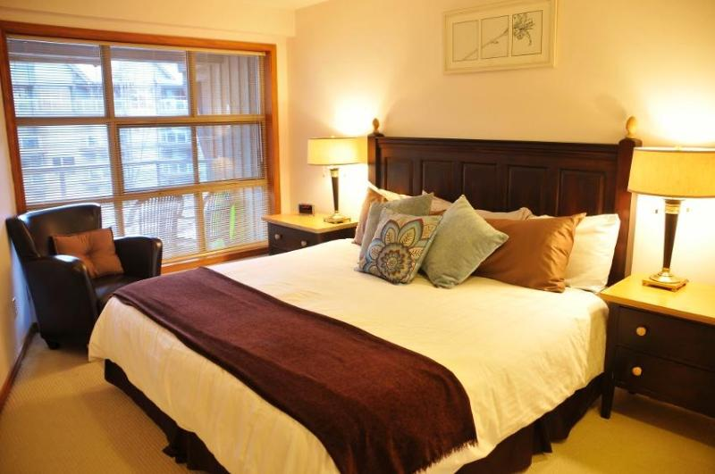 Genuine Ski in/out - best location in Whistler! 3 (three) hot tubs, ski valet, pool, HD TV, FREE internet - Wicked Whistler Aspens Condo - Whistler - rentals