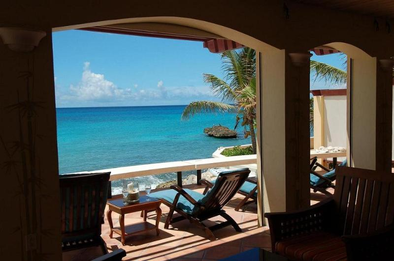Faja Lobie at Beacon Hill, Saint Maarten - Beachfront, Pool, Perfect For Families Or Couples - Image 1 - Beacon Hill - rentals
