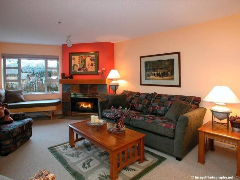 Spacious yet intimate! All NEW rich designer furnishings. Curl up with a book while enjoying your favorite music. INDULGE! - AW Condo Rentals - Whistler - rentals