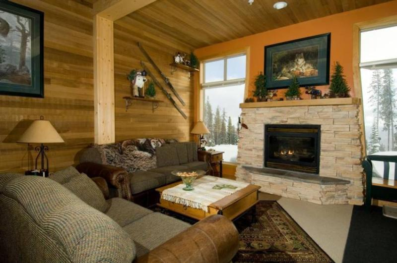 Cozy up to a fire and watch the first skiers go by... - Ski Big White - Legend - British Columbia - rentals