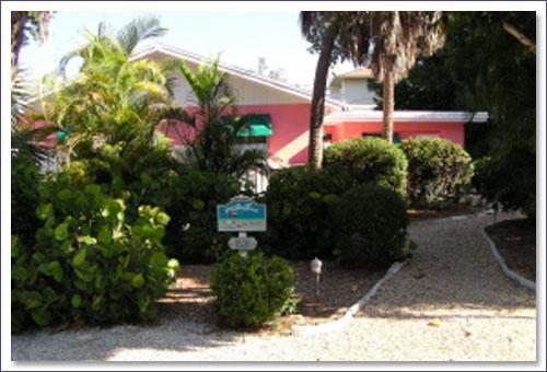 View of Exterior from Street - Relaxing Near Beach Captiva Island Pool Home - Captiva Island - rentals