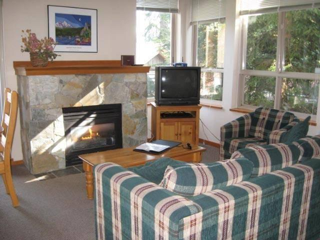 Welcome to our family retreat. Everything you need in Whistler is within walking distance. The townhouse is quiet, cozy and comfortable and the hot tub is great after a day of skiing. - G & M Geddes - Whistler - rentals