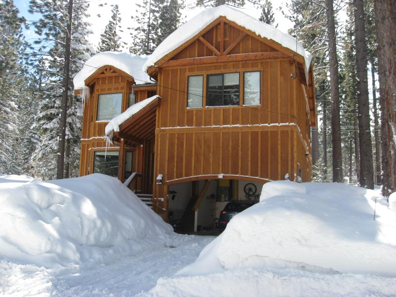 February 2011 - New, Luxury, Family Friendly. Hot Tub & Jacuzzi. - South Lake Tahoe - rentals