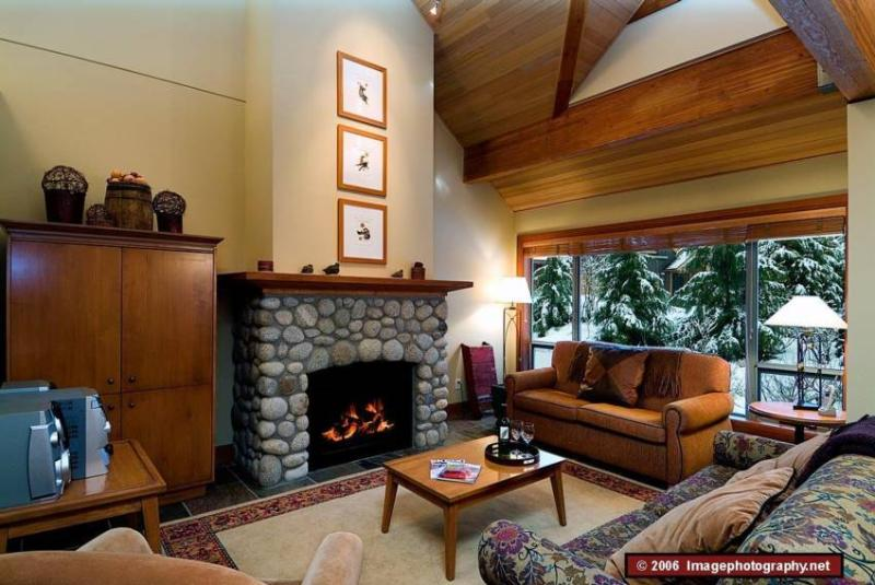 Make the most of your whistler stay. Montebello has it all - 3 bd 3 bth Townhome Great Location w/ Private Hot Tub, Computer - Whistler - rentals