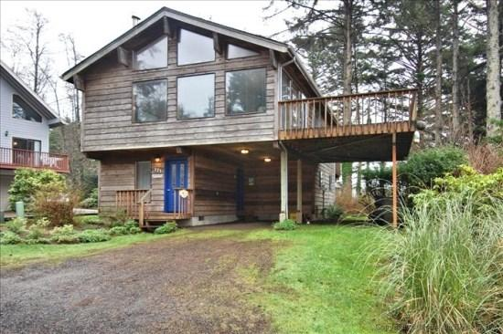 Nomads End is an ocean View Pet Friendly Tolovana park home 3 bedroom 2 bath sleeps 8 - 38854 - Image 1 - Cannon Beach - rentals