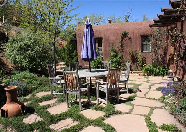 Patio with Dining - Casa Sequoia - Histroic Adobe home with views, walk to Plaza & Canyon Rd! - Santa Fe - rentals