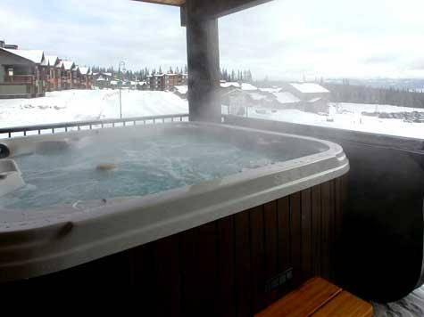 Enjoy your own Hot Tub on private deck with wonderful mountain views - The Raven - Condo 1519 - Big White - rentals