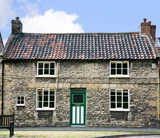 OLD SCHOOL HOUSE, family friendly, character holiday cottage, with open fire in Thornton-Le-Dale, Ref 4468 - Image 1 - Yorkshire - rentals