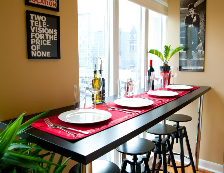 7 Foot Bar Top Dining Table Overlooking Massey Hall - 5 Star Quality, Best Downtown Location, Live Local - Toronto - rentals