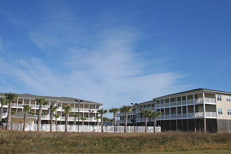 A View To Sea #2201 - Image 1 - Oak Island - rentals