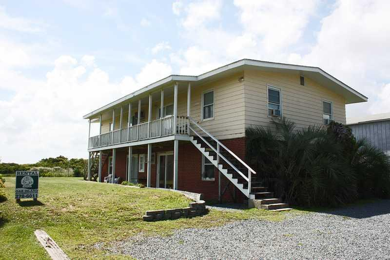 The Hideaway Unit #3 - Image 1 - Oak Island - rentals