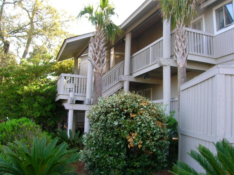 Spacious Island Villa Centrally Located in Wild Dunes . Charleston's Premier Ocean Resort. - WILD DUNES - 2 bd. Oh-So-Cozy-King Bed WIFI, pool - Wild Dunes - rentals
