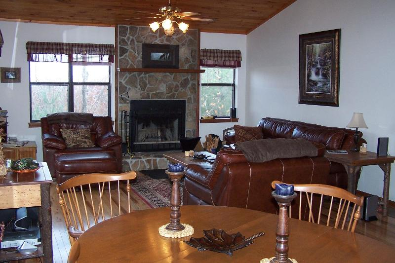 """Living Room with wood buning fireplace - Eagles Nest 2 Rest"""" Mountain Top Cabin-- Great Views- WiFi!! - Robbinsville - rentals"""
