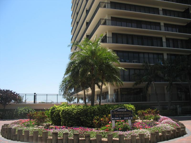 Mansions By The Sea! Treasure Island - Gulf Views! - Image 1 - Treasure Island - rentals