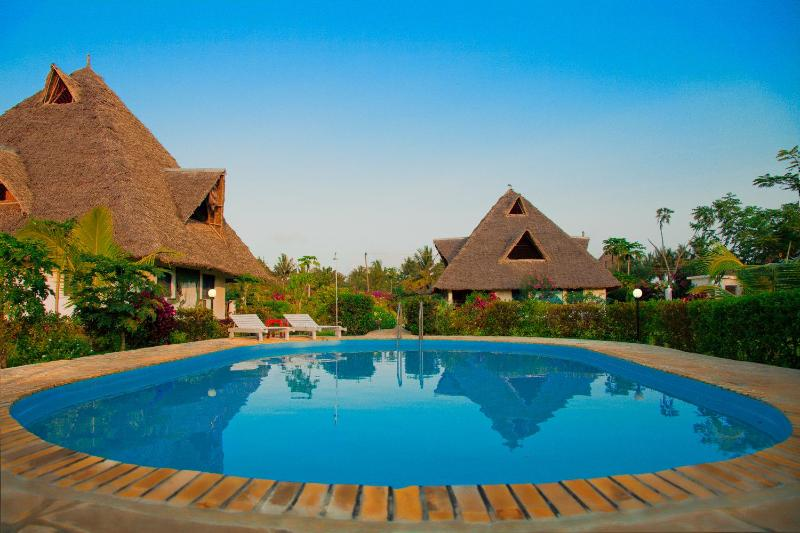 A peaceful retreat between moon and beach - Image 1 - Diani - rentals