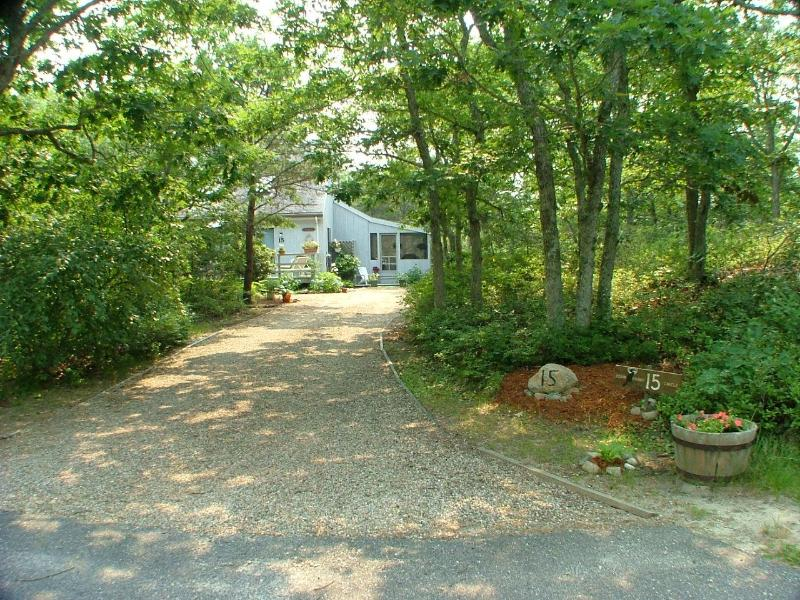 Driveway - Contemporary  Island Grove Vacation House - Edgartown - rentals