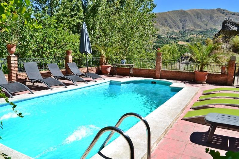 View across pool to valley beyond - Villa 10 min to Alhambra and 30 min to ski resort. - Granada - rentals