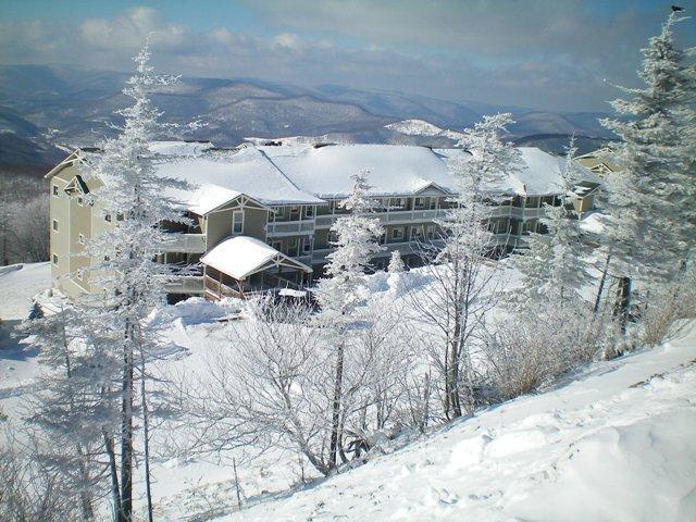 3br/2ba Condo Located at the village - Sleep 8-10 - Village 3br/2ba Summer $130/$150 night/$850 wk or 2br/2ba ski in/out- Summer $130 night or $750 week - Snowshoe - rentals