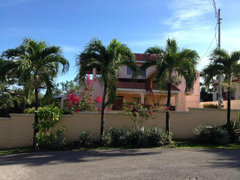 Front Street View Sunset Ridge Villa  - Get-Away Ocean View Sunset Ridge Villa, Trinidad - San Fernando - rentals