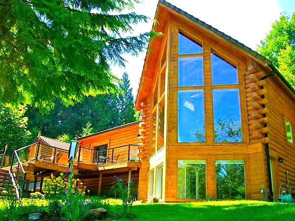 Welcome to Our Award Winning Log Home - Luxurious Riverfront Log Home - North Bend, WA - North Bend - rentals