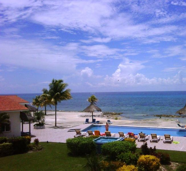 View from Cozumel Sol's Sweeping Terrace - Cozumel Sol- Perfect blend of luxury and fun! - Cozumel - rentals