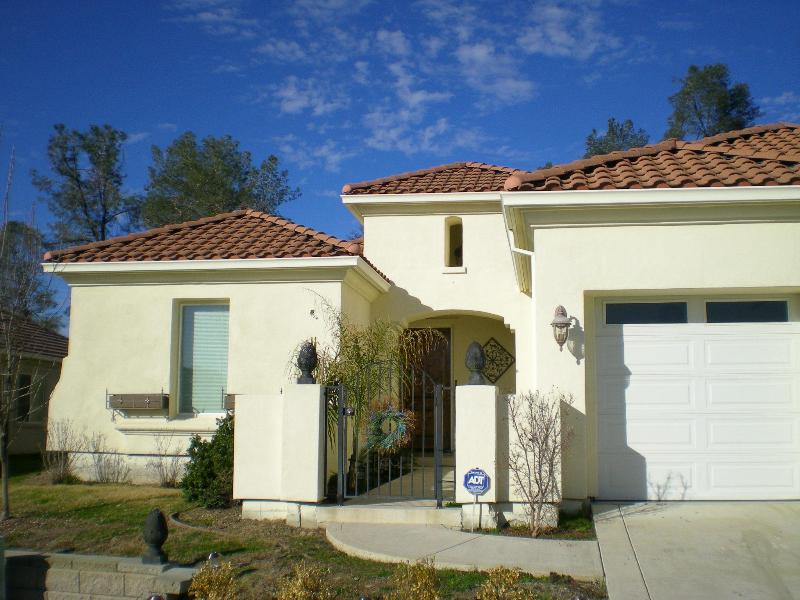 Front of House - Lake Tulloch Home at Calypso Bay-Gated Community - Copperopolis - rentals